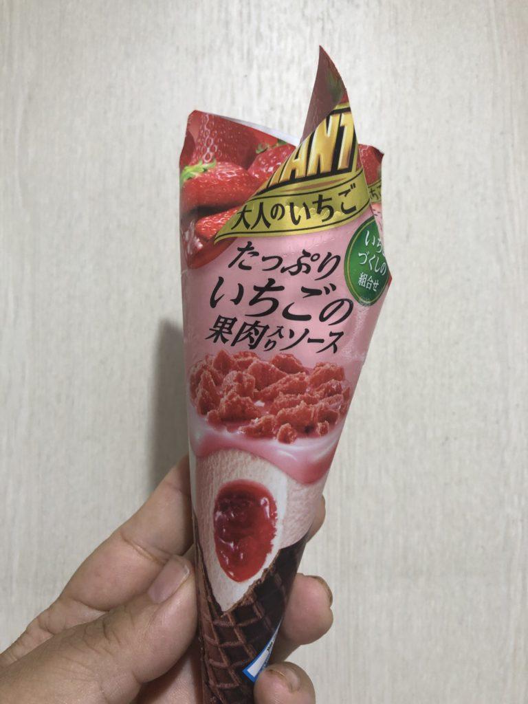 江崎グリコ ジャイアントコーン 大人のいちご 食べてみました。